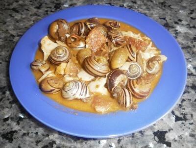 Caracoles en salsa