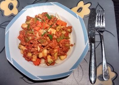 Espaguetis con quorn y verduras