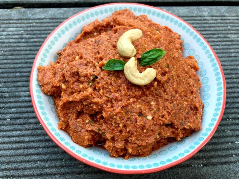 Pesto rojo casero